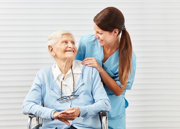 Muốn trở thành điều dưỡng giỏi cần rèn luyện tác phong chuyên nghiệp
