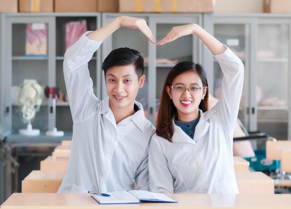 Để theo đuổi ngành điều dưỡng cần có lòng yêu nghề