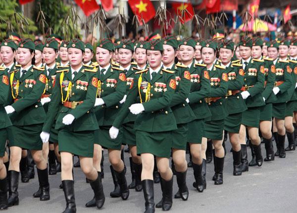 Có khá ít trường quân đội tuyển học viên nữ