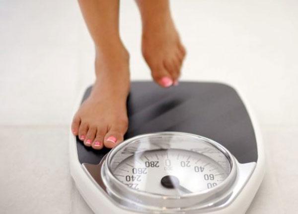Sụt cân, sốt không rõ nguyên nhân là biểu hiện của ung thư thận