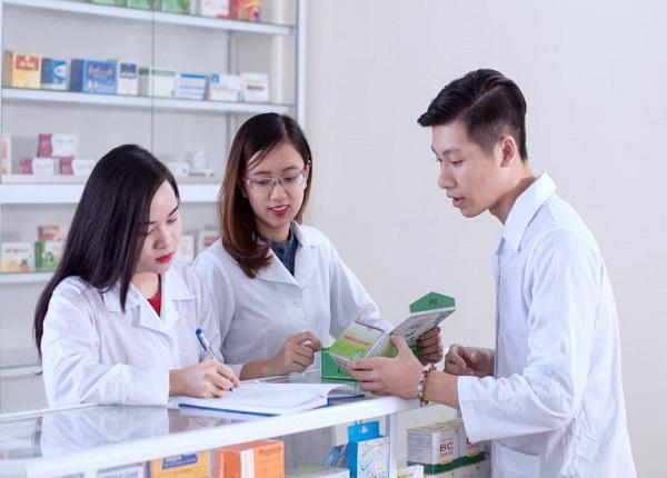 Cao đẳng Dược và Đại học Dược khác nhau như thế nào?