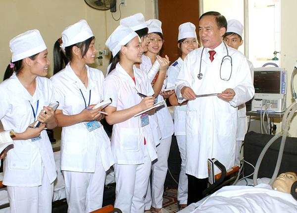 Có được liên thông lên Bác sĩ khi đã tốt nghiệp y sĩ đa khoa?