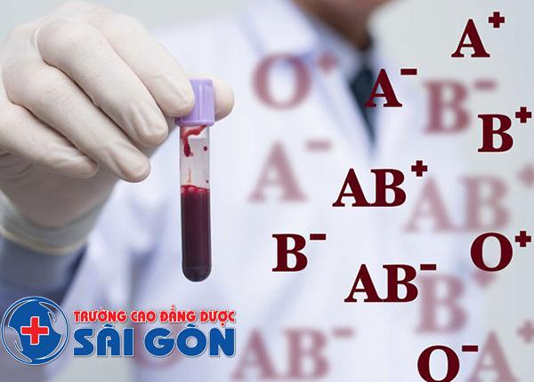 Tại sao phải làm xét nghiệm phân chia thành các nhóm máu?