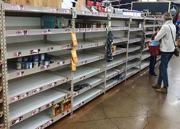 Dân Mỹ ồ ạt quét sạch siêu thị, hiệu thuốc trong mùa dịch Covid-19